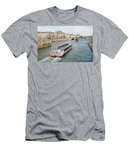 River Seine Excursion Boats Men's T-Shirt (Athletic Fit)