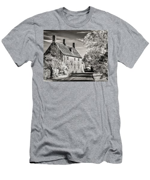 Road House Men's T-Shirt (Slim Fit) by William Beuther