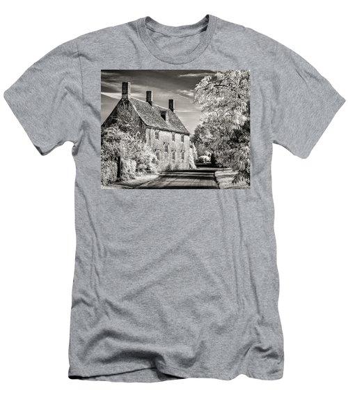 Road House Men's T-Shirt (Athletic Fit)