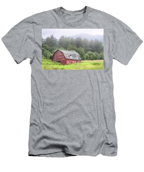 Rustic Landscape - Red Barn - Old Barn And Mountains Men's T-Shirt (Athletic Fit)