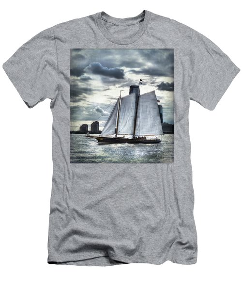 Sailing On The Hudson Men's T-Shirt (Athletic Fit)