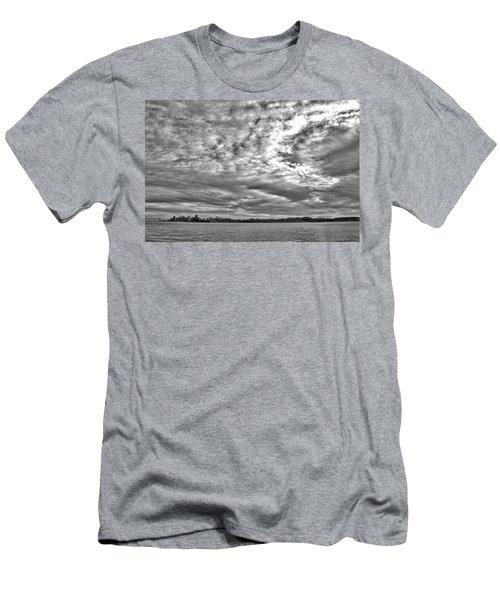 San Francisco Clouds Men's T-Shirt (Athletic Fit)