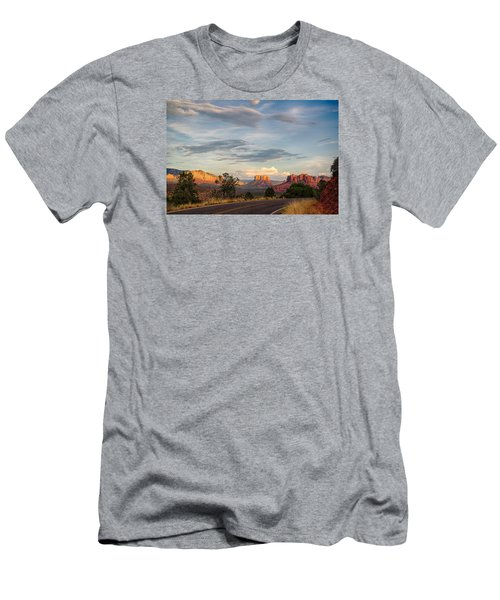 Sedona Arizona Allure Of The Red Rocks - American Desert Southwest Men's T-Shirt (Athletic Fit)