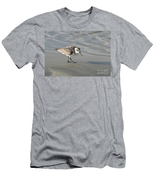 Shore Bird On Ocean Beach Men's T-Shirt (Athletic Fit)