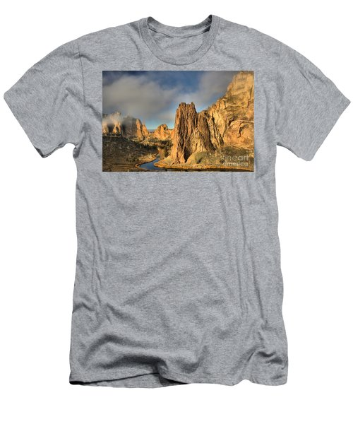 Smith Rock Foggy Morning Men's T-Shirt (Athletic Fit)