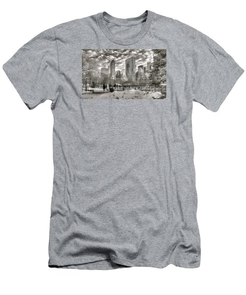 Snow In N.y. Men's T-Shirt (Athletic Fit)