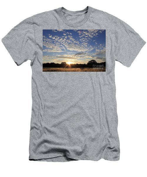 Spectacular Sunset England Men's T-Shirt (Athletic Fit)
