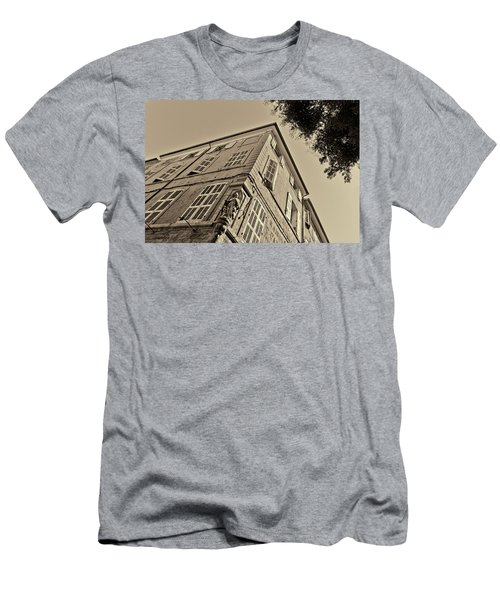 Statue In The Corner Men's T-Shirt (Athletic Fit)