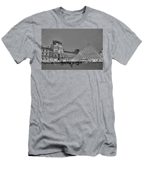 The Louvre Black And White Men's T-Shirt (Athletic Fit)