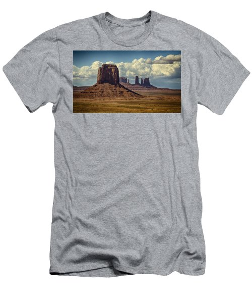 The Majesty Of Monument Valley  Men's T-Shirt (Athletic Fit)