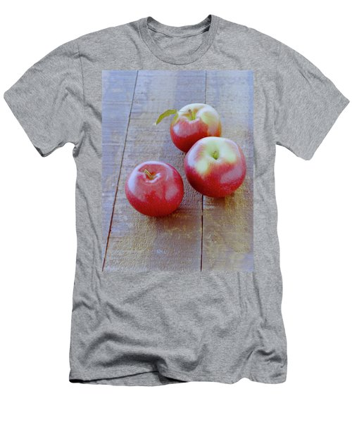 Three Red Apples Men's T-Shirt (Athletic Fit)