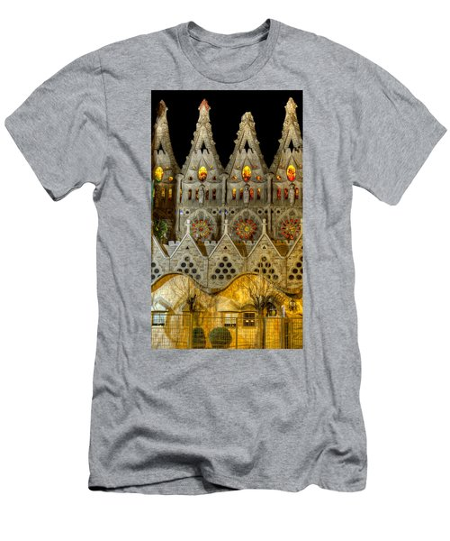 Three Tiers - Sagrada Familia At Night - Gaudi Men's T-Shirt (Athletic Fit)