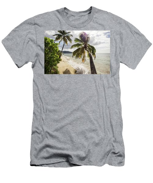 Two Palm Trees On The Beach With Sun Men's T-Shirt (Athletic Fit)