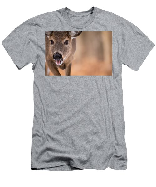 Up Close White Tail Men's T-Shirt (Athletic Fit)