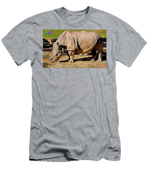 Vip Cockatoo Visitor Gets Closer Look Men's T-Shirt (Athletic Fit)