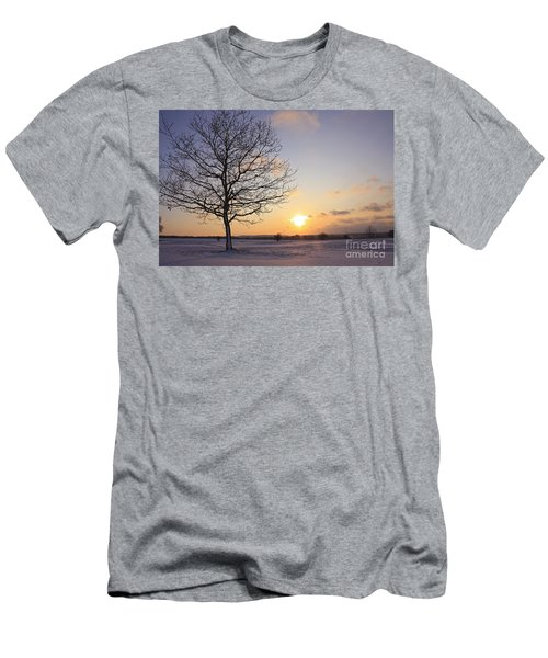 Winter Sunset Uk Men's T-Shirt (Athletic Fit)