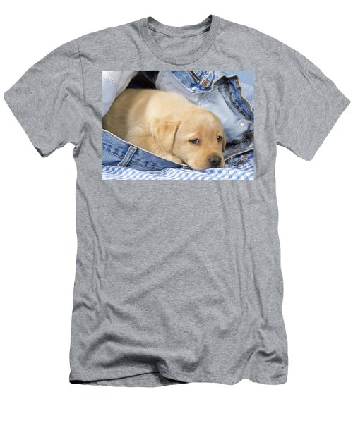 Yellow Labrador Puppy In Jeans Men's T-Shirt (Athletic Fit)