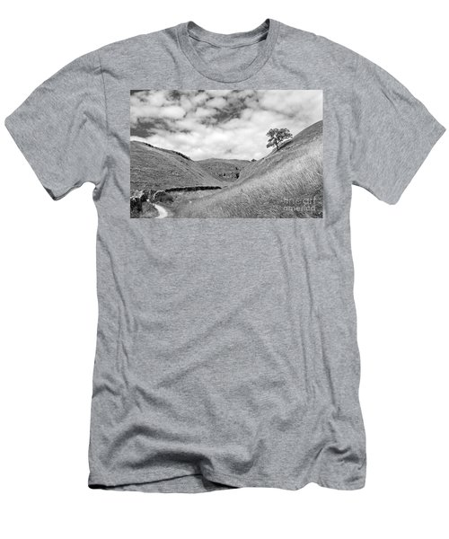 Lone Tree In The Yorkshire Dales Men's T-Shirt (Athletic Fit)