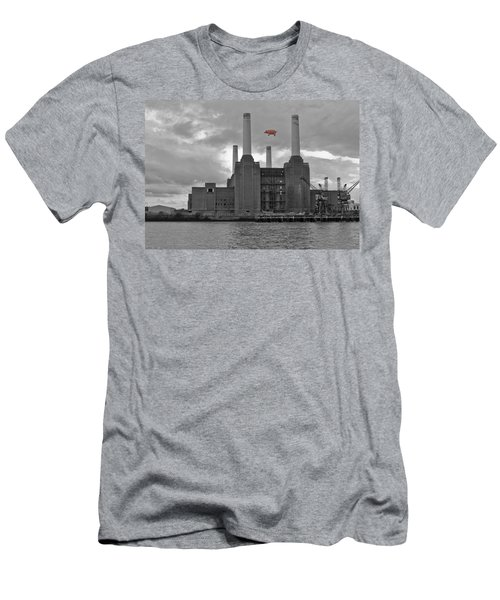 Pink Floyd Pig At Battersea Men's T-Shirt (Athletic Fit)