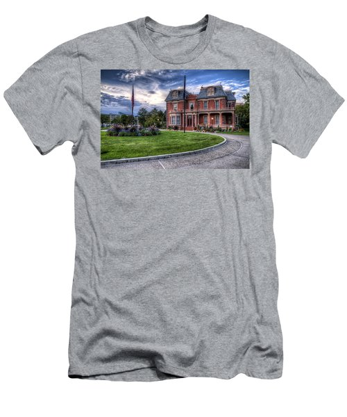 Devereaux Mansion Men's T-Shirt (Athletic Fit)