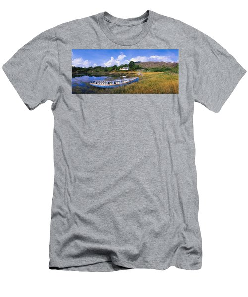 Ellens Rock, Glengarriff, Co Cork Men's T-Shirt (Athletic Fit)