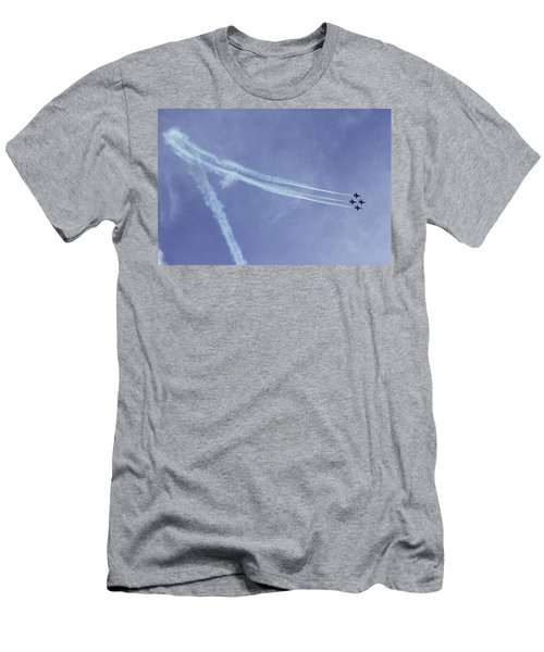 F16s In Formation Men's T-Shirt (Athletic Fit)