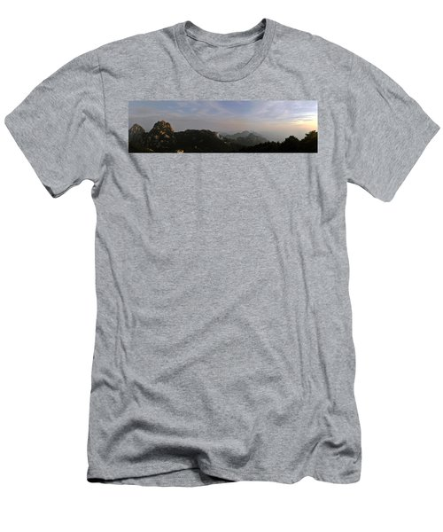 Huangshan Panorama 5 Men's T-Shirt (Athletic Fit)