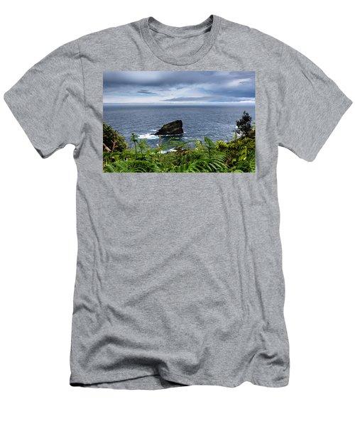 Ilheu Men's T-Shirt (Athletic Fit)