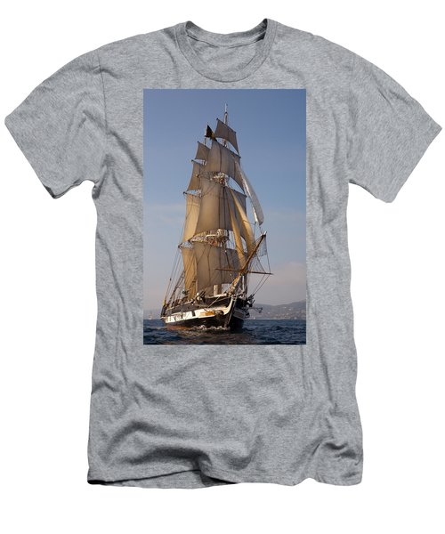 Return Of The Pilgrim Men's T-Shirt (Athletic Fit)