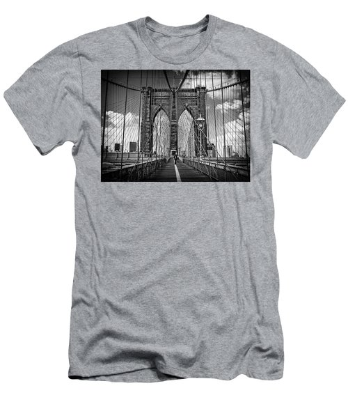 Brooklyn Bridge Men's T-Shirt (Athletic Fit)