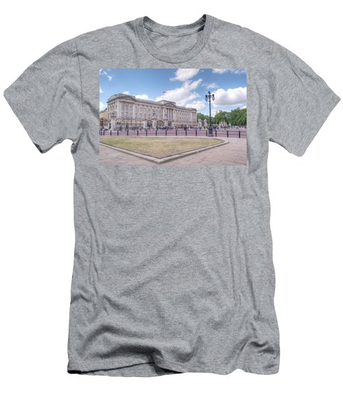 Buckingham Palace Men's T-Shirt (Athletic Fit)
