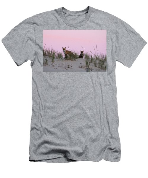 Fox And Vixen Men's T-Shirt (Athletic Fit)