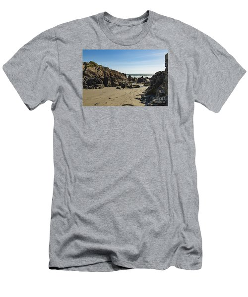 Kennack Sands Men's T-Shirt (Athletic Fit)