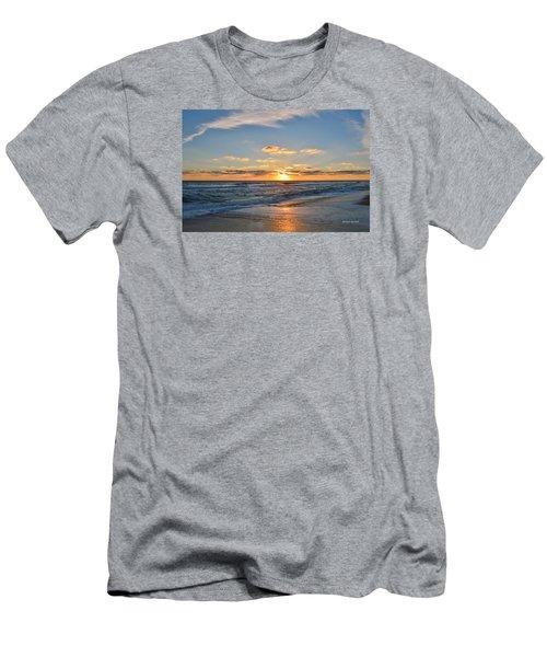 Kill Devil Hills Sunrise Men's T-Shirt (Athletic Fit)