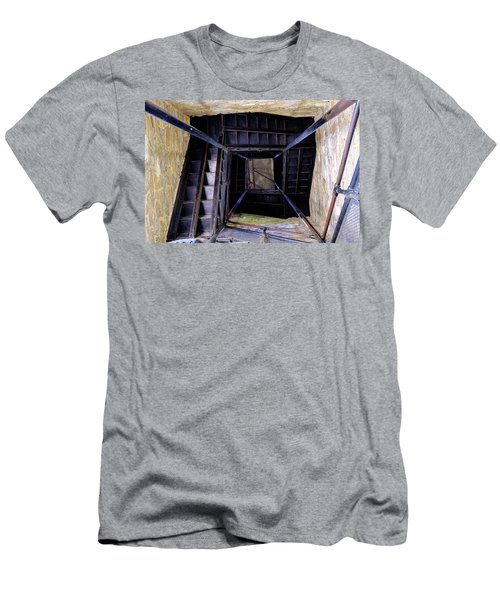Lookout Tower On A Civil War Battlefield In Antietam Creek Maryl Men's T-Shirt (Athletic Fit)