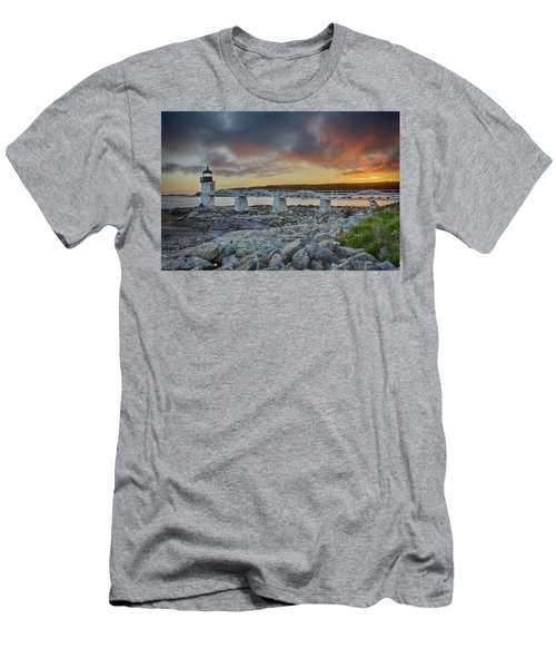 Marshall Point Lighthouse At Sunset, Maine, Usa Men's T-Shirt (Athletic Fit)