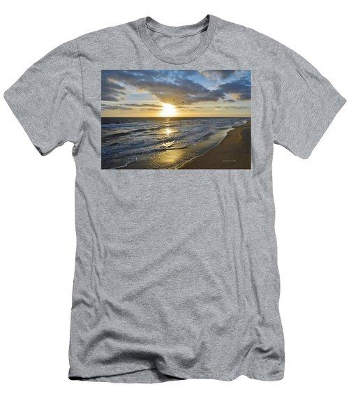 Sunrise On The Banks  Men's T-Shirt (Athletic Fit)