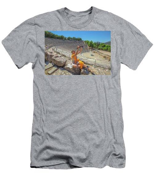 Woman Photographer Selfie Men's T-Shirt (Athletic Fit)