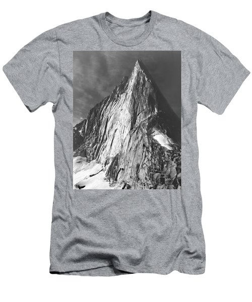 102756 Bugaboo Spire Men's T-Shirt (Athletic Fit)