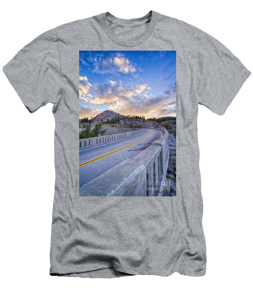 Donner Memorial Bridge Men's T-Shirt (Athletic Fit)