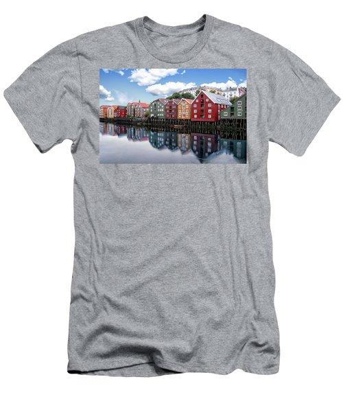 Trondheim Coastal View Men's T-Shirt (Athletic Fit)