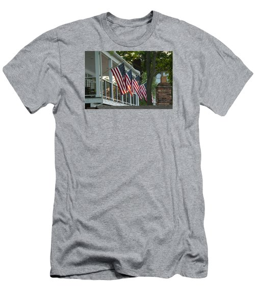 4th Of July Porch Men's T-Shirt (Athletic Fit)