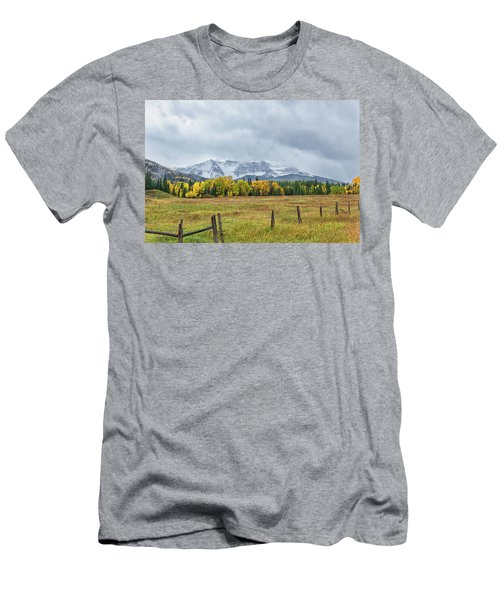 Colorado Fall Foliage Men's T-Shirt (Athletic Fit)
