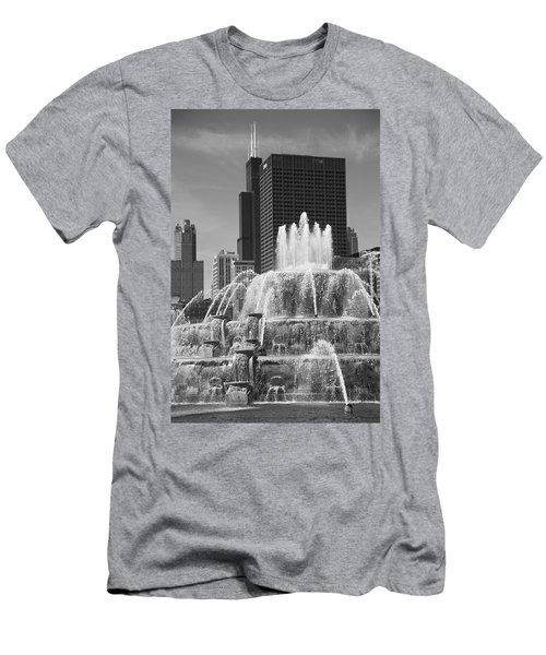 Chicago Skyline And Buckingham Fountain Men's T-Shirt (Athletic Fit)