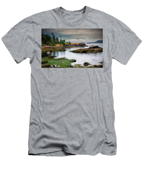 A Peaceful Bay Men's T-Shirt (Athletic Fit)
