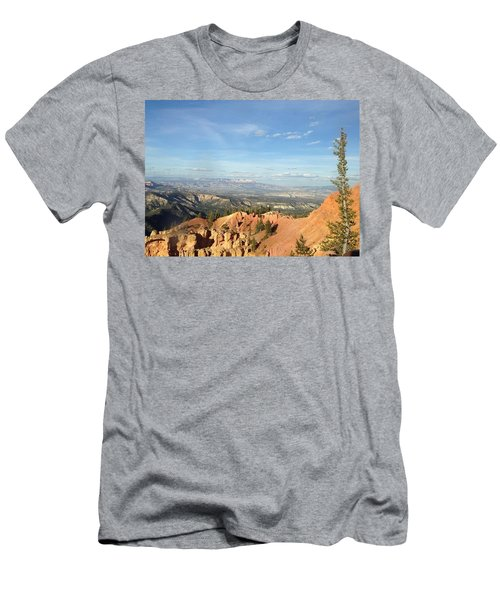 A Perfect Spot At Bryce Canyon Men's T-Shirt (Slim Fit)