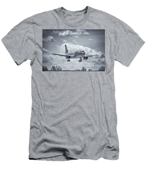 A320 On Approach Men's T-Shirt (Athletic Fit)