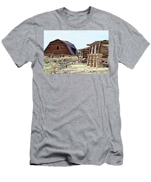 Abandoned Barn Men's T-Shirt (Athletic Fit)