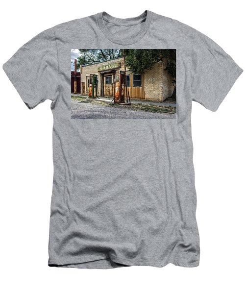 Abandoned Garage Men's T-Shirt (Athletic Fit)