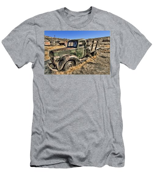 Abandoned Truck Men's T-Shirt (Athletic Fit)